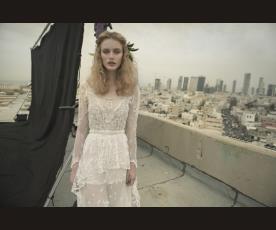 שמלת כלה נועזת עם תחרה כפרית