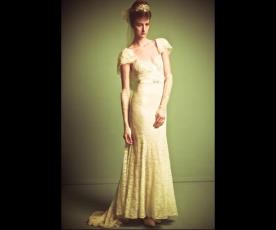 שמלת כלה וינטג' שובל תחרה עדין