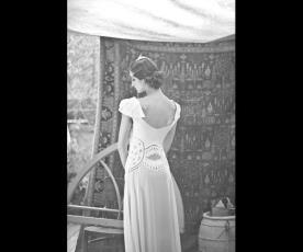 שמלת כלה וינטג' גב מעוצב