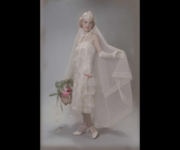 שמלת כלה מידי עם הינומה