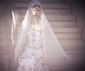 שמלת כלה סגנון הודי עם הינומה