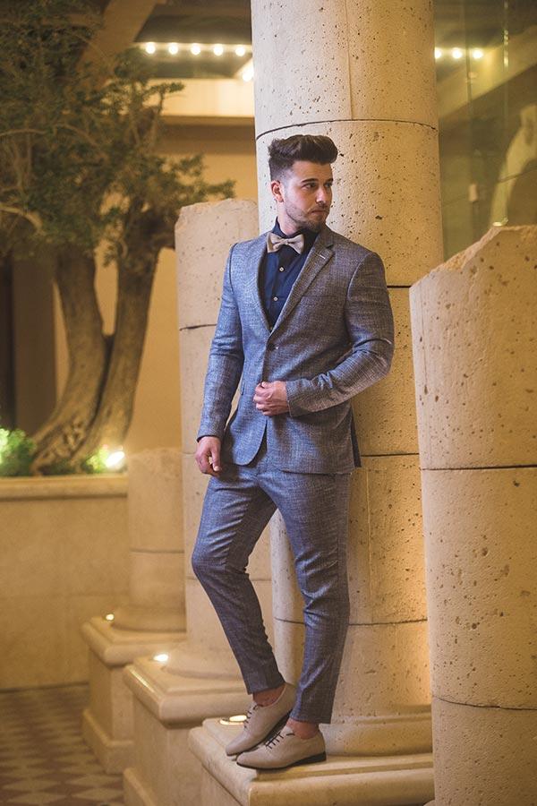 חליפת חתן: חליפה בצבע תכלת, חליפת שלושה חלקים, חליפה בגזרה ישרה, חליפה בדוגמה חלקה - חליפות חתן - פיגל