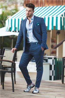 חליפות אלגנטיות לגברים באשדוד