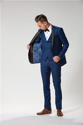 חליפה בכחול כהה