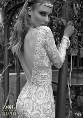 שמלת כלה עם רקמת פרחים