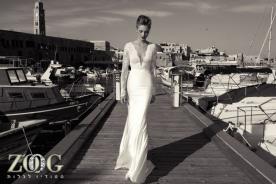 שמלת כלה: שמלה בגזרה נשפכת, שמלת פעמון, קולקציית 2013, שמלה בסגנון רומנטי, שמלה בסגנון קלאסי, שמלה בסגנון עדין, שמלה עם תחרה, שמלת משי, שמלה עם מחשוף, שמלה עם שרוולים, שמלה בצבע לבן, שמלה בצבע שמנת, שמלת מקסי - ZOOG -סטודיו לכלות