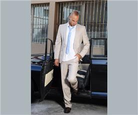 חליפת חתן: חליפת שלושה חלקים, חליפה בגזרה ישרה, חליפה בדוגמה חלקה, חליפה בצבע לבן - לנסקי - חליפות לחתנים