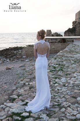 שמלת כלה עם צווארון מחורז