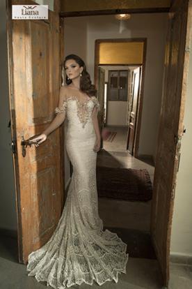 שמלה בעיצוב רומנטי רך