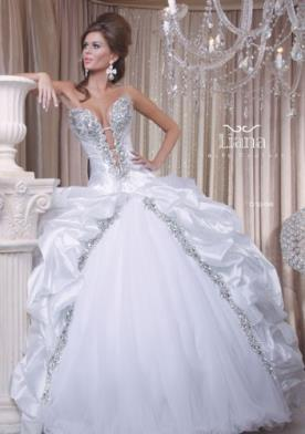 שמלת כלה סטרפלס בסגנון מפואר