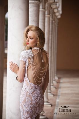 שמלת כלה גב עם שרשראות