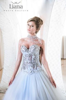 שמלת כלה עם מחוך משובץ ומעוטר