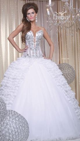 שמלה משובצת לכלה הנסיכותית