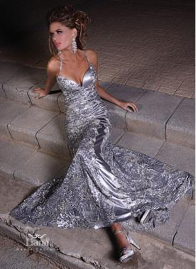 שמלת ערב כסופה מרשימה