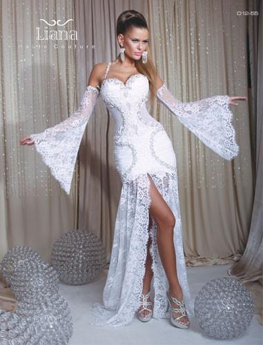 שמלת כלה עם שרוולים רחבים