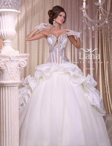 שמלה כלה עם מחשוף אלכסוני