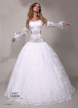 שמלה בסגנון מלכותי מהאגדות