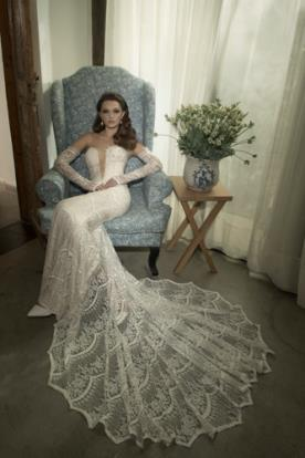 שמלת תחרה דרמטית רומנטית