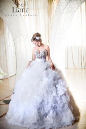 שמלת כלה מהאגדות עם מחוך