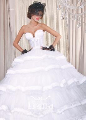 שמלה קלאסית מפוארת לכלה
