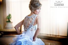 שמלת כלה סאטן עם גב פתוח מחורז