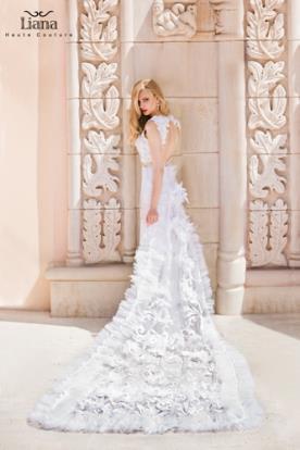 שמלת כלה מקושטת תחרה