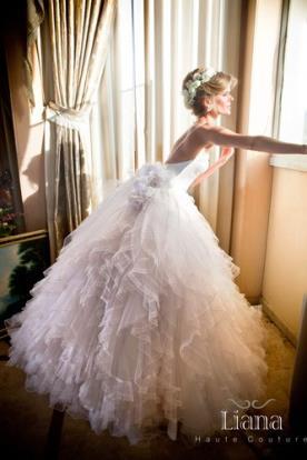 שמלת כלה נפוחה למראה שמימי