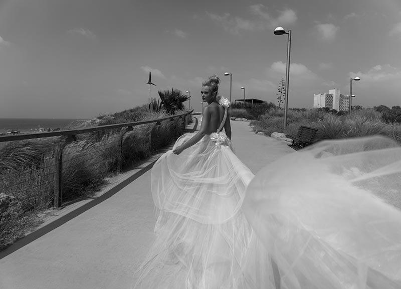 שמלת כלה בעיצוב רומנטי מודרני