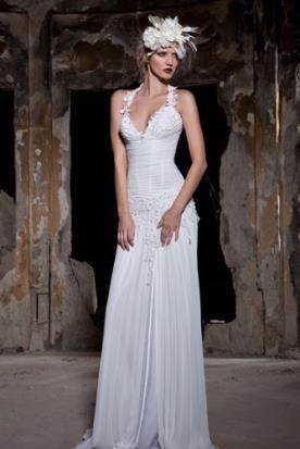 שמלת כלה קלאסית כתפיות דקות