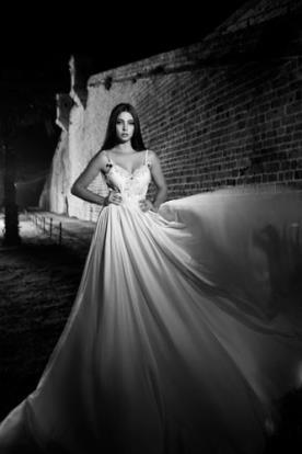 שמלת כלה משי עם חגורה במותן