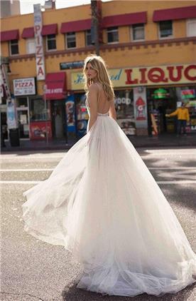 קולקציית שמלות כלה BERTA