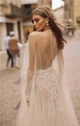 שמלות בגזרה גבוהה