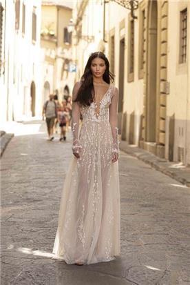 שמלות בסגנון נועז