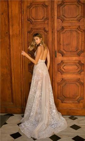 שמלות ערב עם שובל