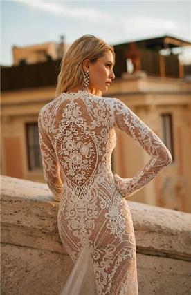 שמלות כלה עם עיטורי תחרה