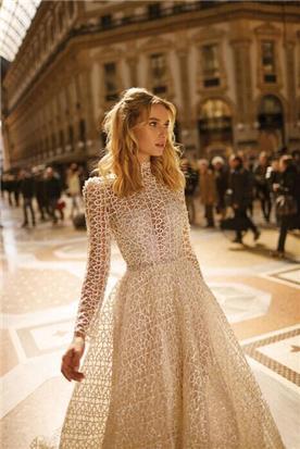 שמלות בגזרה אסימטרית