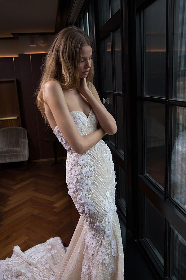 שמלת כלה אפליקציית פרחים