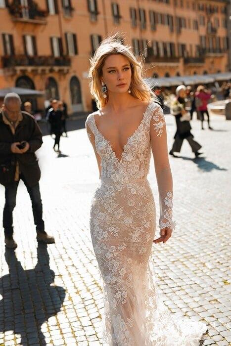 שמלת כלה עם שרוול שקוף