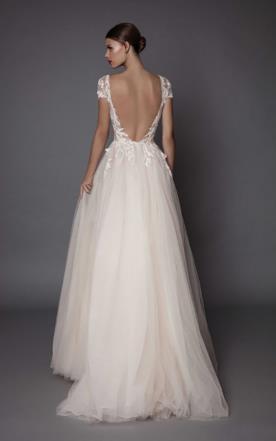 שמלת כלה נסיכתית גב פתוח