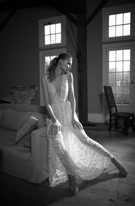שמלת כלה בסגנון בוהמייני עם כיווצים
