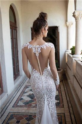 שמלה כלה עם גב חשוף