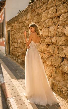 שמלת כלה סטרפלס רומנטית
