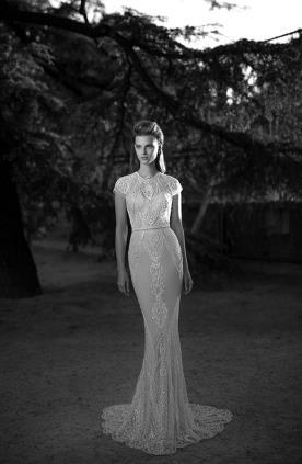 שמלת כלה שרוול קצר ושובל