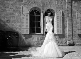 שמלת כלה שכבות טול ושובל