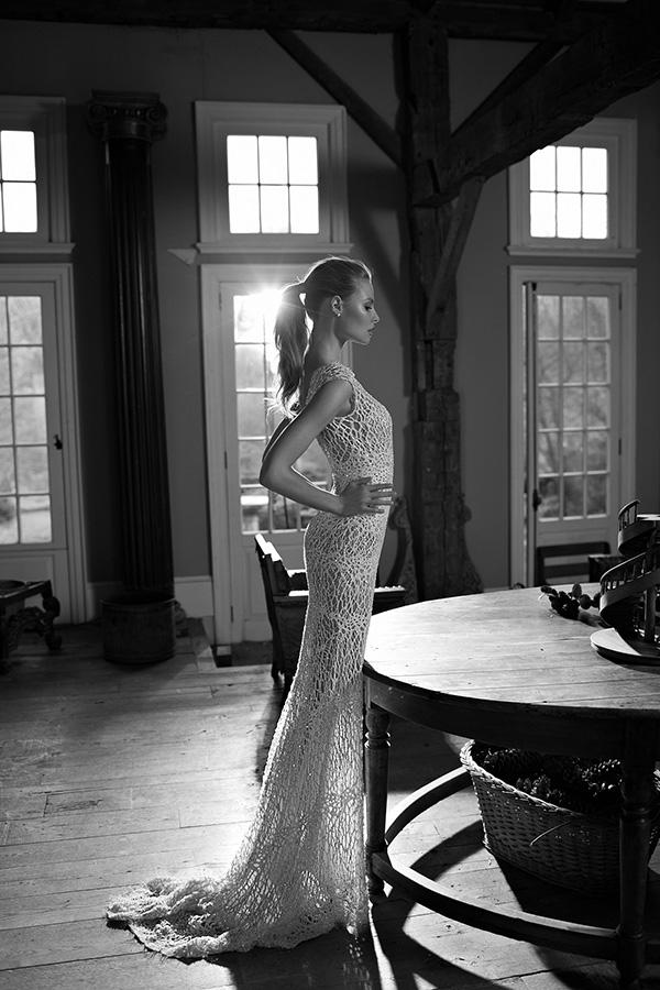 שמלת כלה מקסי עם שובל מחורז