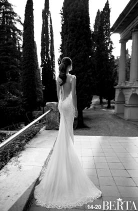 שמלת כלה חצי שרוול וכפתורים