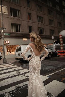 שמלת כלה מחשוף גב פתוח