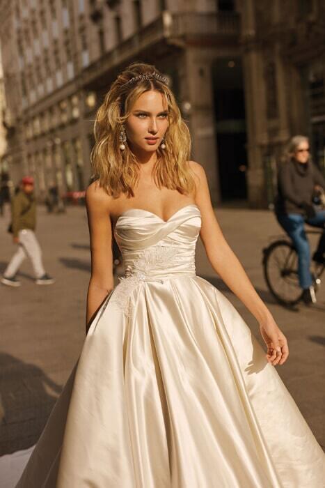 שמלת כלה מסאטן