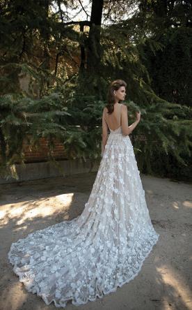 שמלת כלה שובל פרחוני