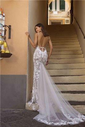 שמלות ערב עם פרנזים